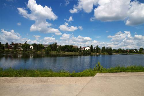 Edmonton (AB) Canada Reservation