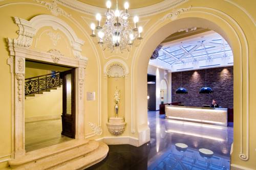 Hungary Booking.com