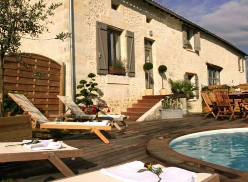 Chalais  France Booking