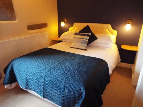 Hawes United Kingdom Booking