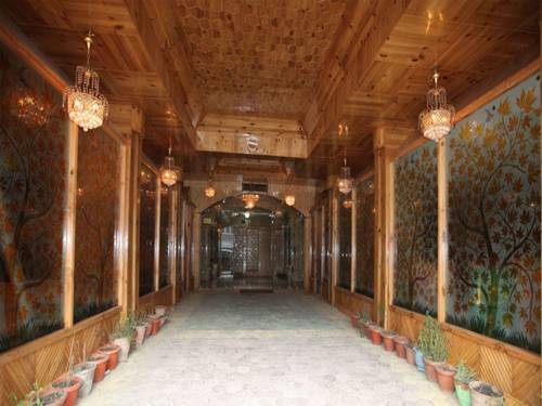 Srinagar India Booking
