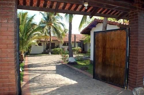 Las Piedras El Salvador Holiday