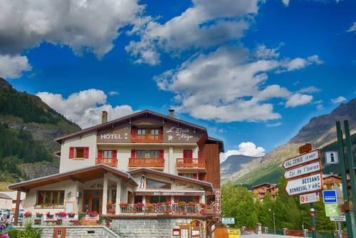 Lanslevillard Val Cenis France Booking