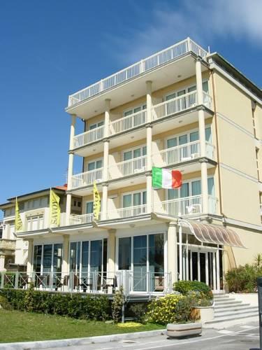 Marina di Pietrasanta Italy Reservation