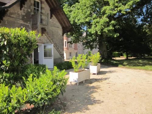 Nazelles-Négron France Reservation