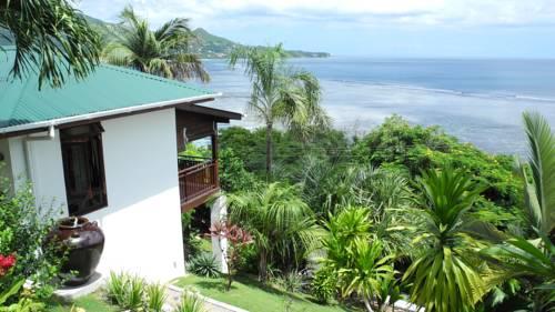 De kust van de Seychellen Boeking